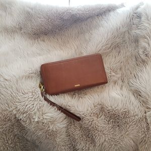 Fossil Logan Brown RFID Wristlet/clutch wallet